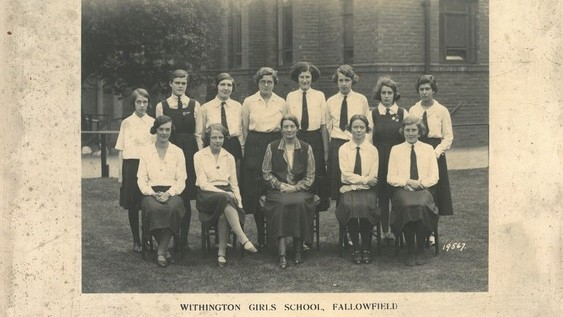 Vera's school photograph in 1933. Vera is on the back row, second from the right.